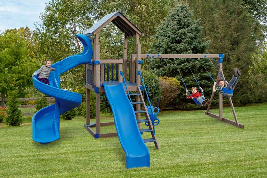 single playset with triple swingset